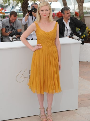 Kirsten Dunst lumineuse, dans cette robe soleil