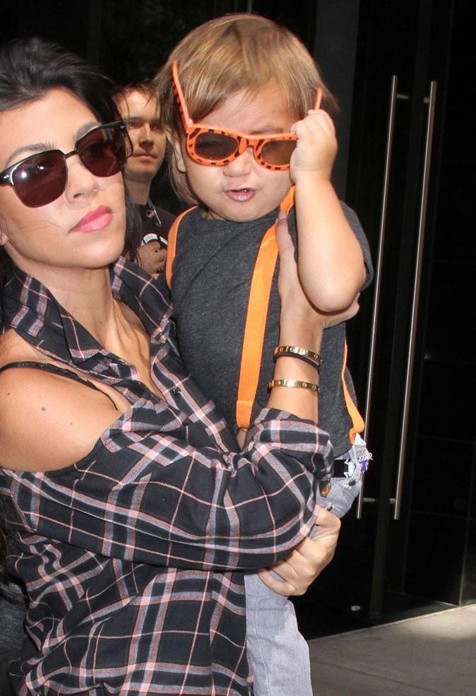 Les lunettes orange de Mason Kardashian !