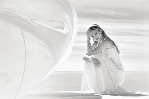 La collection Kate Hudson x Ann Taylor enfin dévoilée !