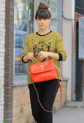 Sophia Bush ne quitte plus son sac Mulberry !