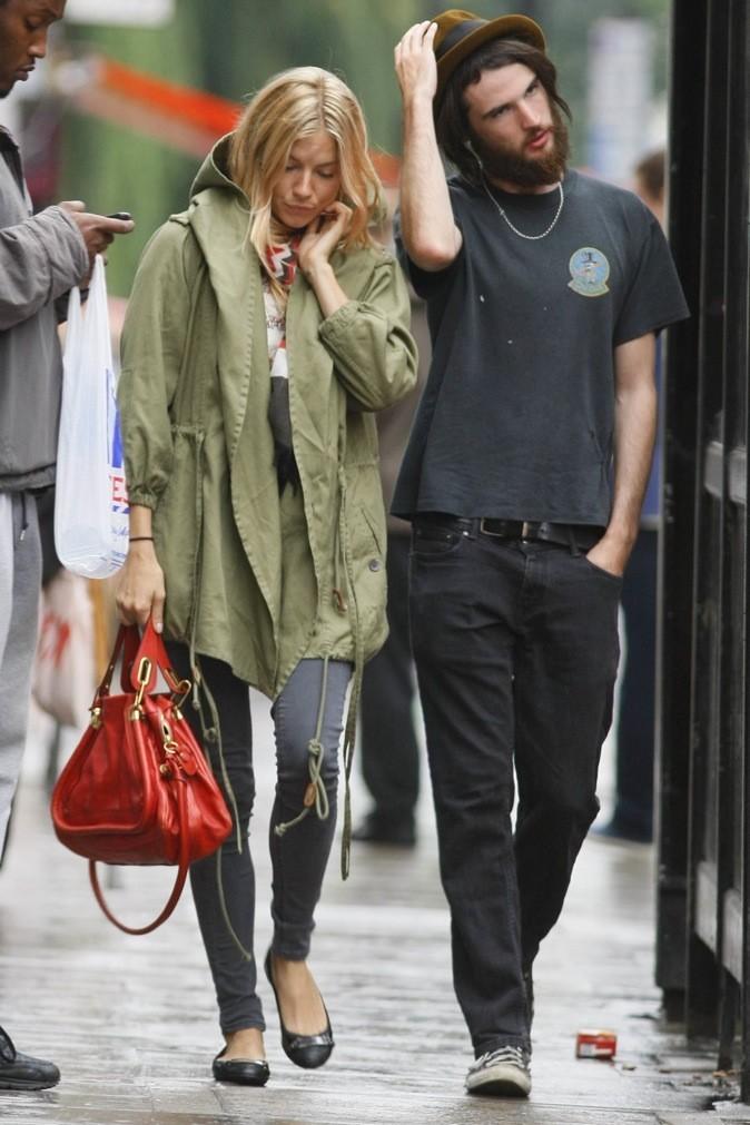 Sienna Miller : toujours à la pointe de la mode !