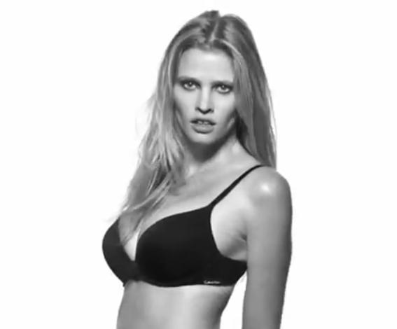 Lara Stone pour Push Positive de Calvin Klein !