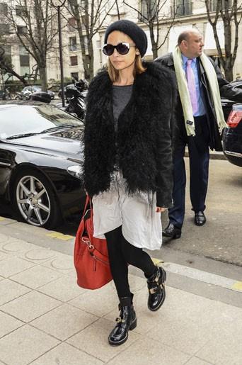 Le bonnet du 02/03/2013 porté par Nicole Richie : chic ou swag ?