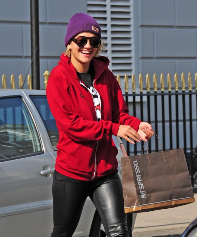 Le bonnet du 04/09/2013 porté par Rita Ora : chic ou swag ?