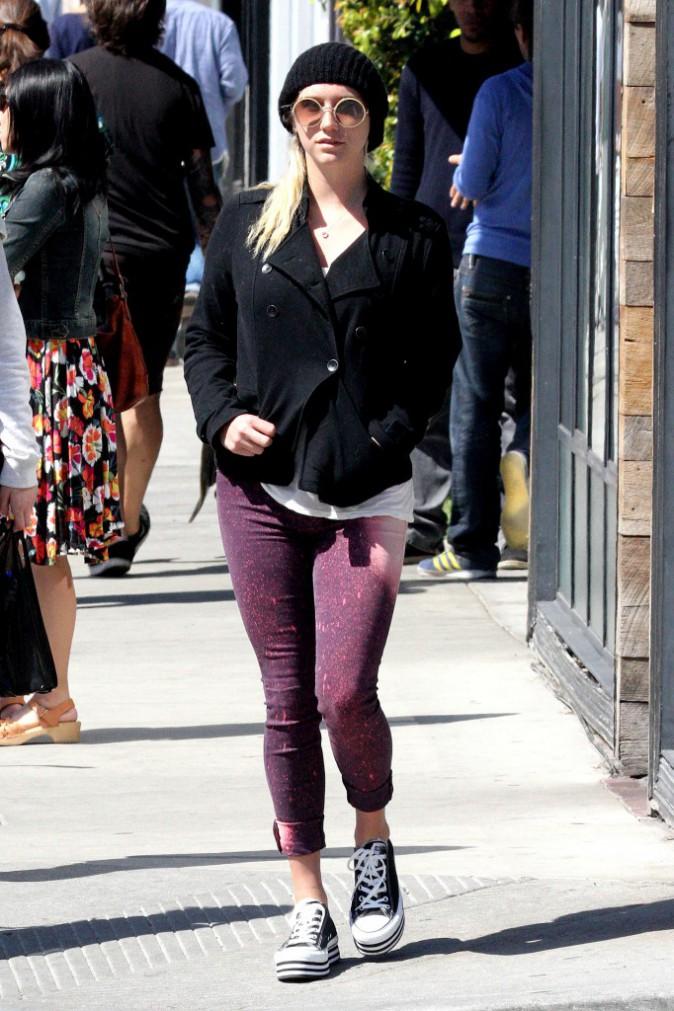 Le bonnet du 13/03/2013 porté par Kesha : chic ou swag ?