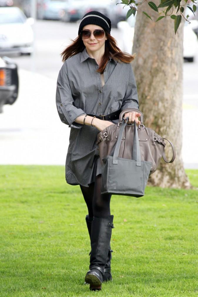 Le bonnet du 14/03/2011 porté par Allison Hannigan : chic ou swag ?