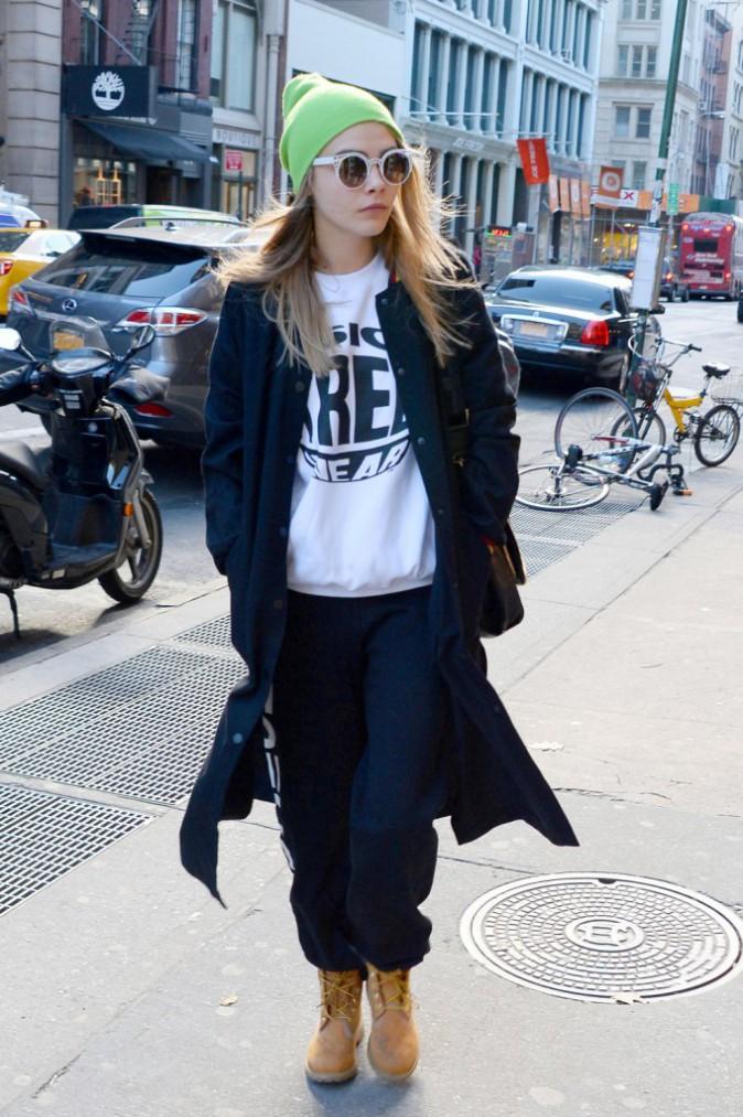 Le bonnet du 20/11/2013 porté par Cara Delevingne : chic ou swag ?