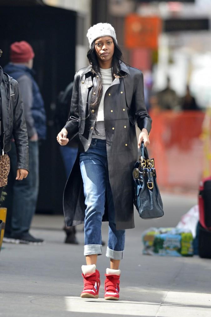 Le bonnet du 28/03/2013 porté par Jessica White : chic ou swag ?