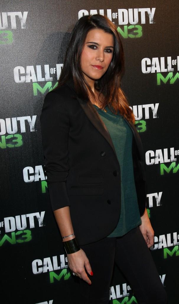 Le CV fashion de Karine Ferri : 08/11/2011