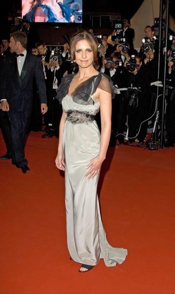 Sarah Michelle Gellar sur le tapis rouge