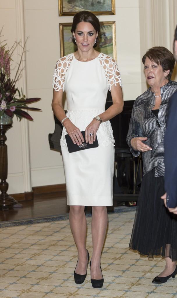24 Avril - Jour 18 : Réception à la Maison Parlementaire à Canberra - Robe Lela Rose