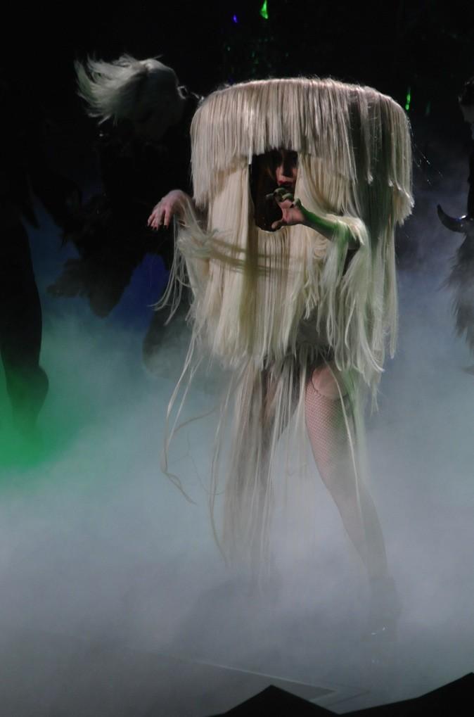 Lady Gaga, il serait temps de se couper les cheveux