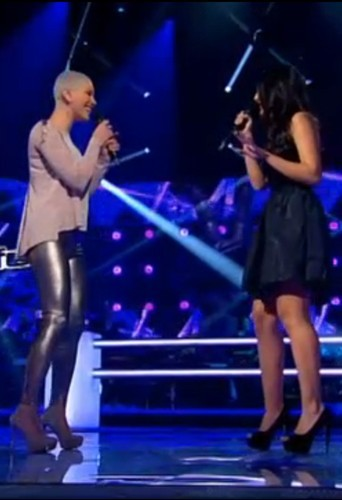 Dièse et Sarah : Le pantalon moulant contre la petite robe noire !