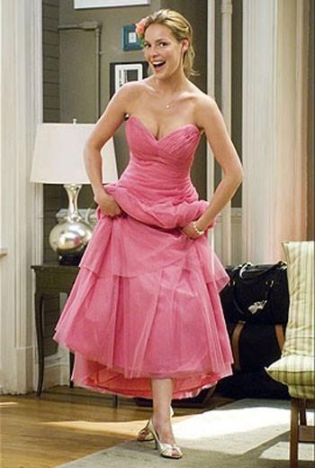 Encore et toujours Katherine Heigl avec ses robes de toutes les couleurs !