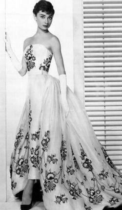 Liz Taylor, longue robe bustier