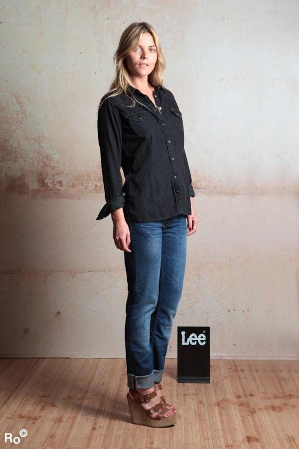 Mode : Justine Fraioli prend la pose pour Lee pendant le Festival de Cannes 2011 !