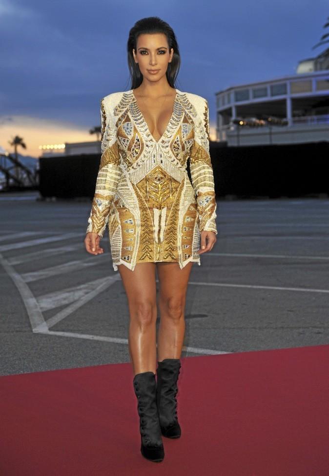 Kim Kardashian en Balmain : baroque !