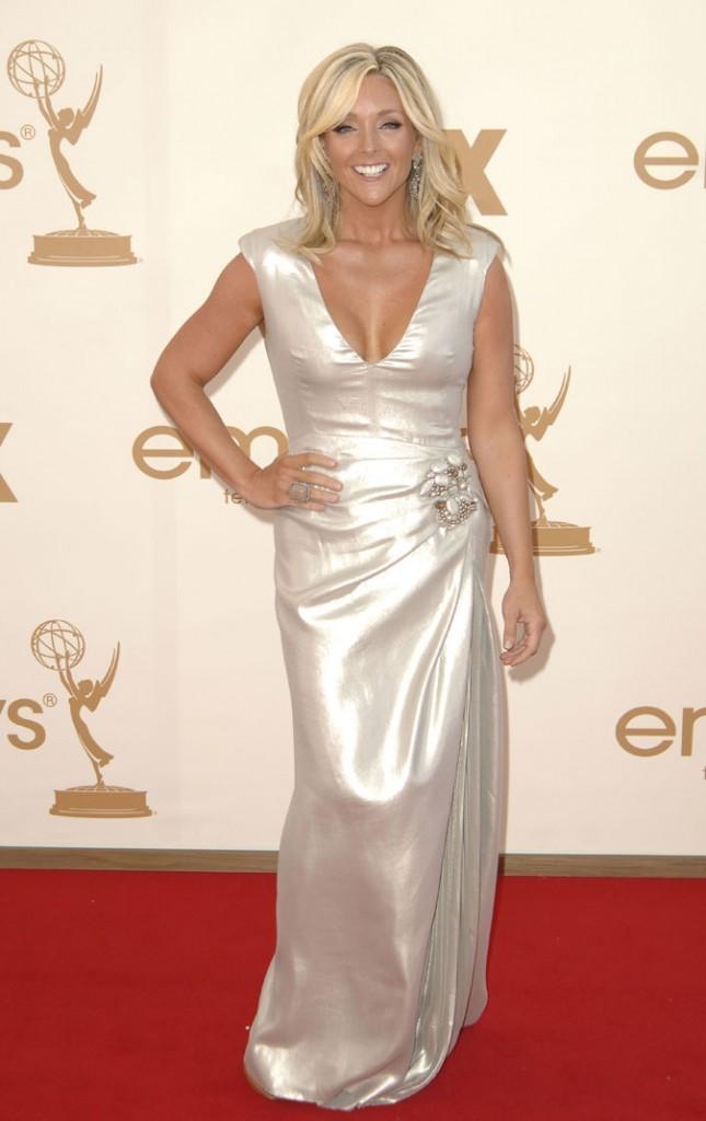 Tout ce qui brille : la robe drapée en satin de Jane Krakowski (30 Rock) !