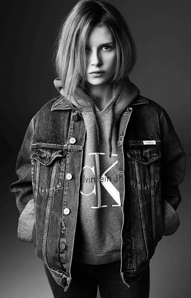 Mode : Lottie Moss s'offre Calvin Klein pour sa première campagne !