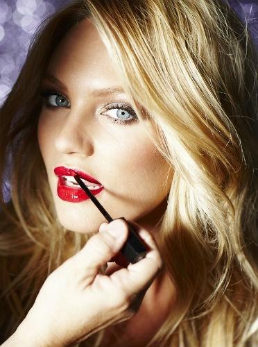 Doutzen Kroes et ses lèvres bien rouges