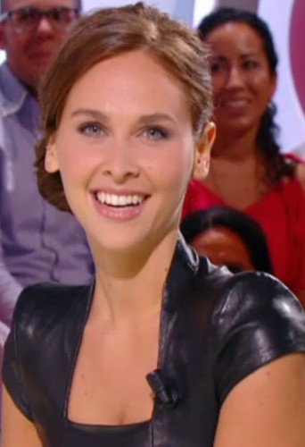 Découvrez le CV fashion d'Ophélie Meunier !