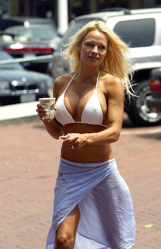 Pamela Anderson en 2002