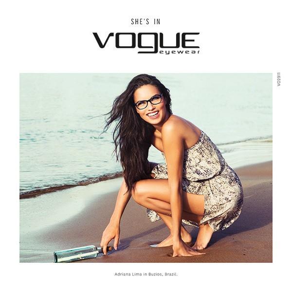 Mode : Photos : Adriana Lima : une bombe exotique et espiègle pour Vogue Eyewear !