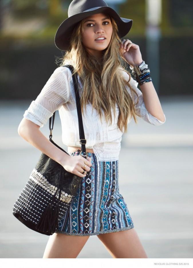 Mode : Photos : Chrissy Teigen shoppeuse addict pour Revolve clothing !