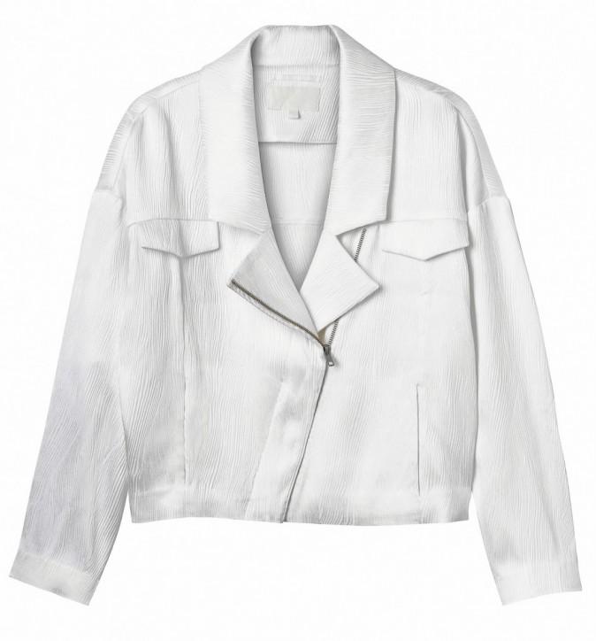 Le total look blanc :  Blouson court, Monki 55€