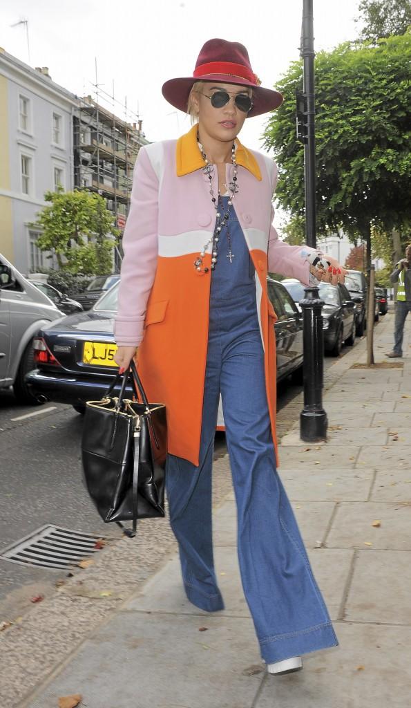 Rita Ora : Look jour