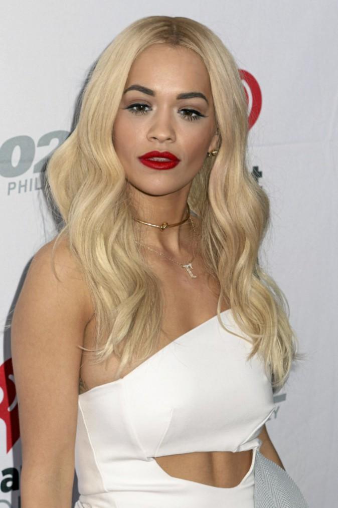 Son évolution capillaire : Rita Ora en 2014