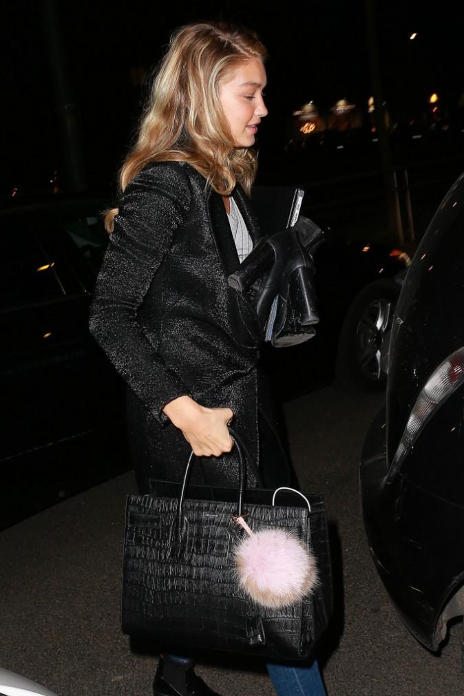 Mode : Photos : Gigi Hadid : Reine incontestée du défilé Moschino !