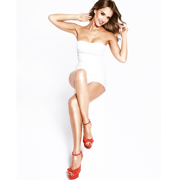 Mode : Photos : Jessica Alba : Elle exhibe ses jambes de rève pour Braun !