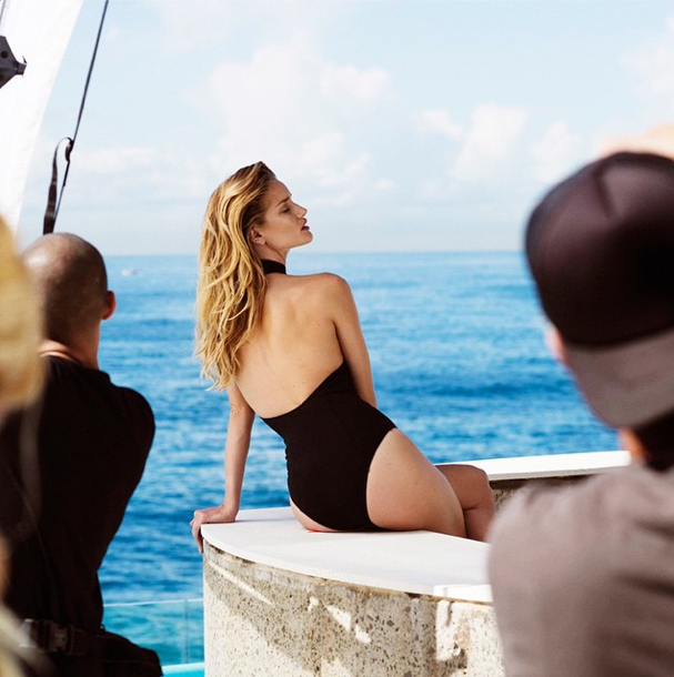 Mode : Photos : Rosie Huntington-Whiteley : découvrez son shooting sensuel pour Harper's Bazaar !
