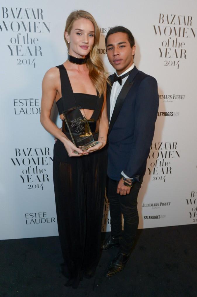 Photos : Rosie Huntington-Whiteley : élue mannequin de l'année aux Women Of The Year Awards !