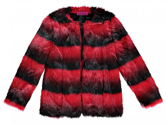 En rouge et noir, Boohoo 90 €