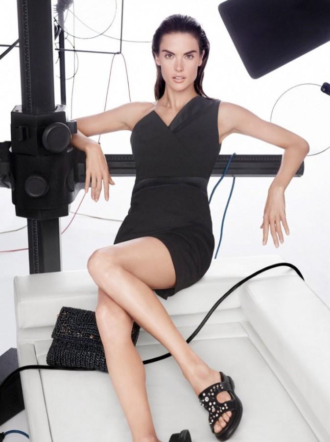 Mode : Pinko : Alessandra Ambrosio, chic et nature pour la campagne printemps-été de la marque !