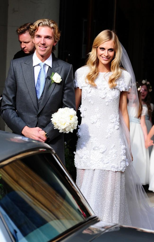 Poppy Delevingne et sa robe de mariée sur mesure signée Chanel !