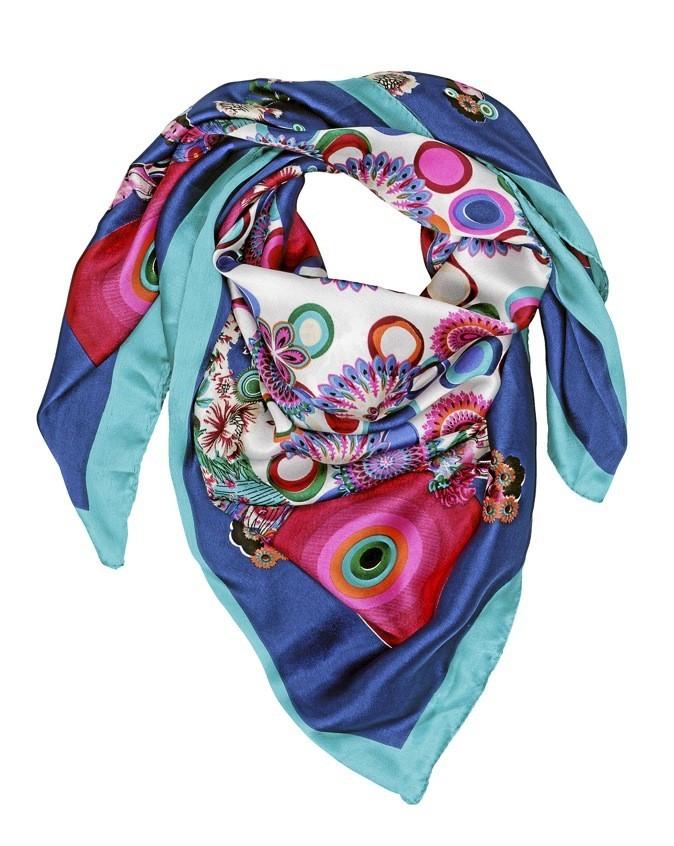 In : le foulard