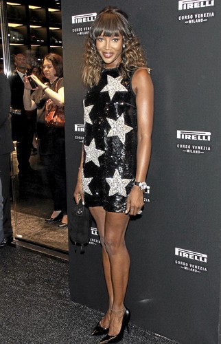 Le look de Naomi Campbell : aussi tendance que le défilé ?