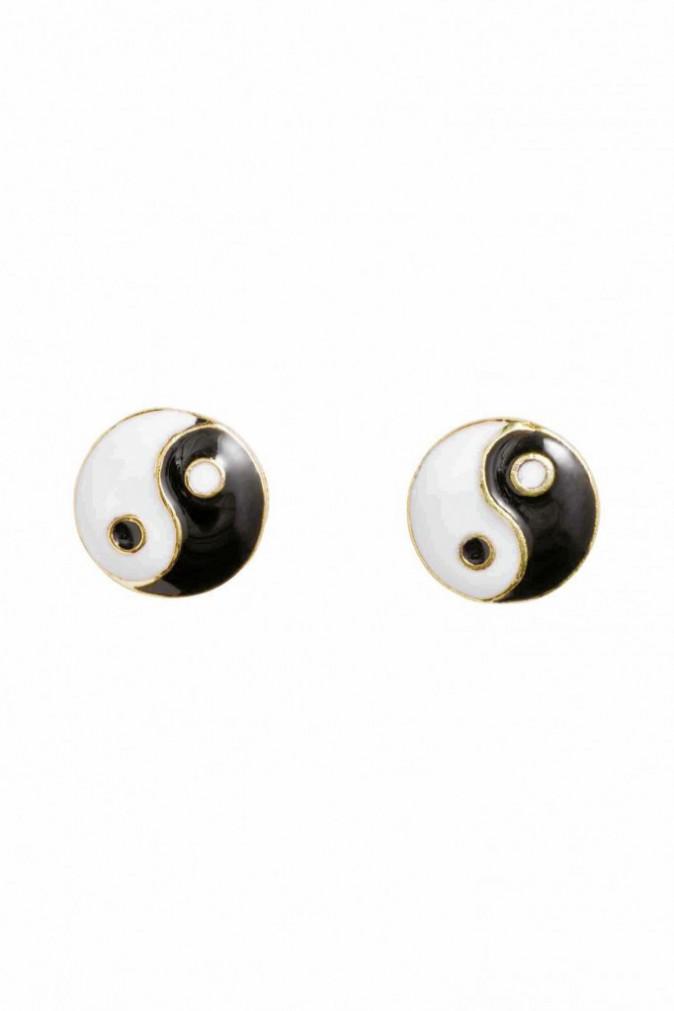 Boucles d'oreilles Yin Yang, H&M. 2,99€