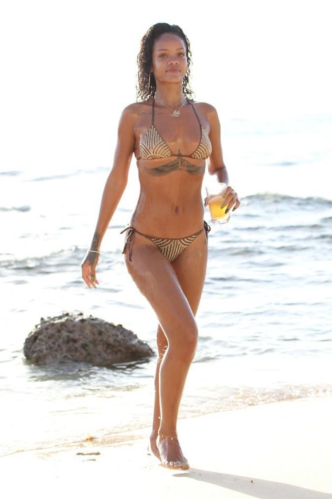 Découvrez en images le nouveau bikini de Rihanna à 700 € !