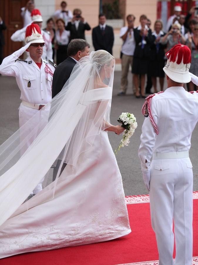 La robe de mariée de la princesse Charlene de dos !