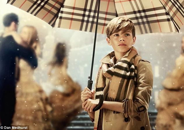 Mode : Romeo Beckham : a croquer dans la nouvelle campagne de Noël de Burberry !