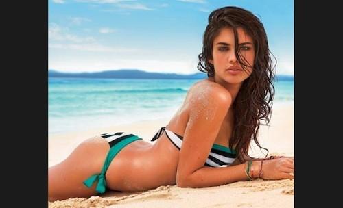 Sara Sampaio : une magnifique sirène portugaise pour Calzedonia !