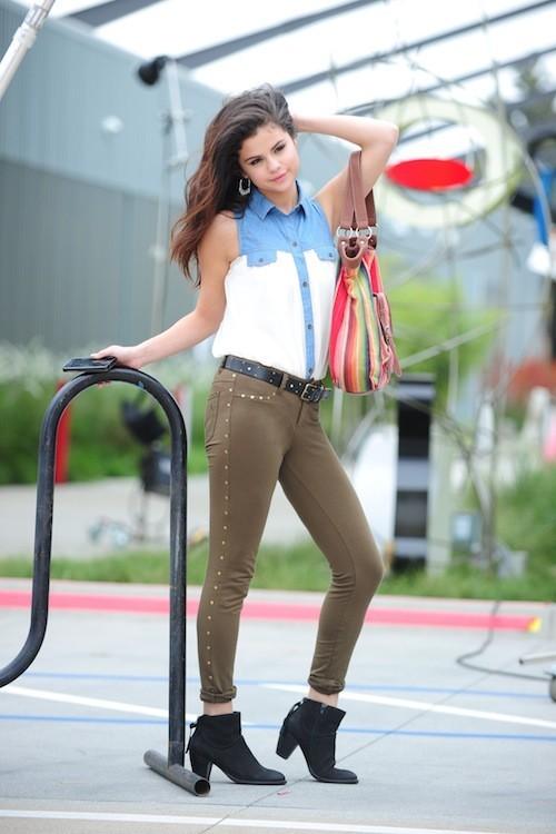 Selena Gomez, fraîche et pimpante… elle semble avoir bel et bien oublié Justin Bieber !