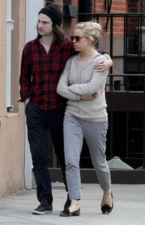 Sienna Miller après sa grossesse : Aucun effort vestimentaire !