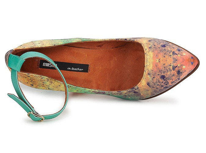 Escarpins multicolores, Miista, 299 €.