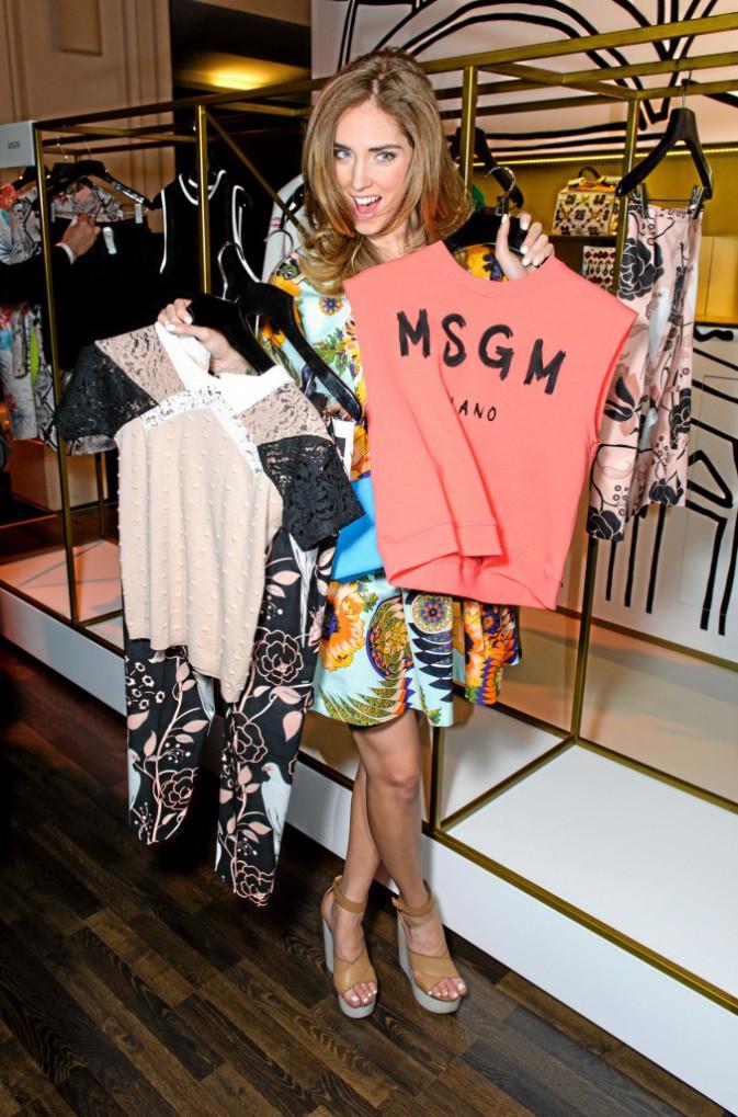 Chiara Ferragni : La blogueuse n'arrive pas à choisir : elle portera donc tout en même temps !
