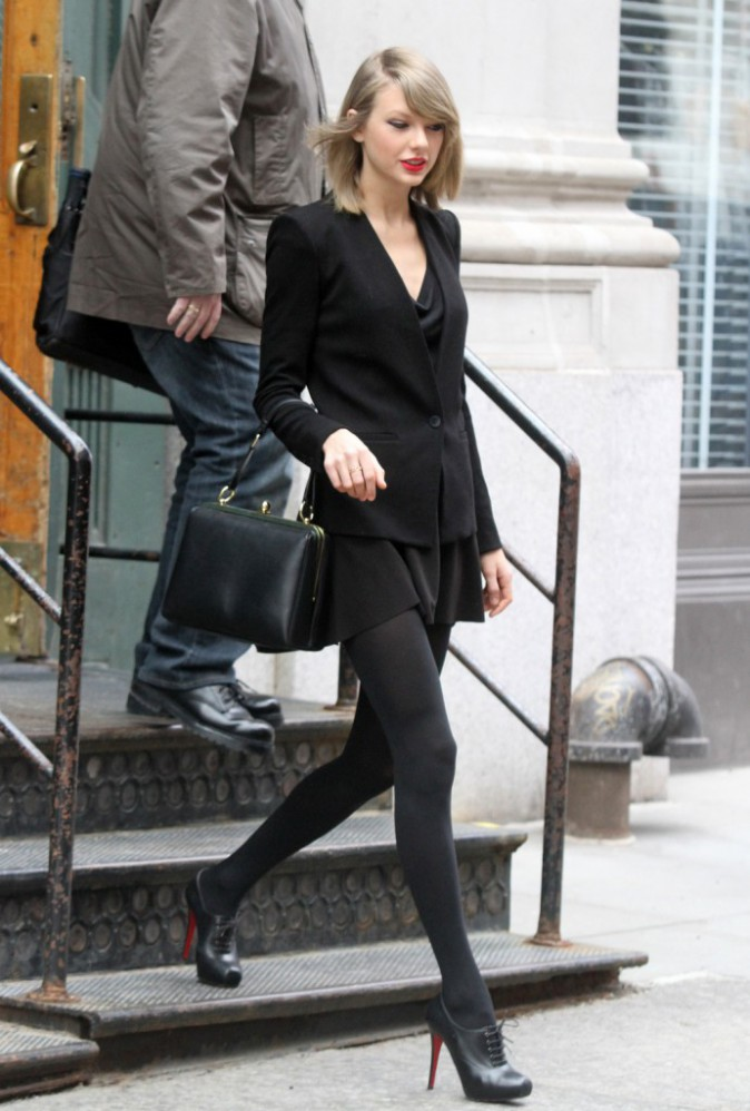 Taylor Swift sexy en working girl !